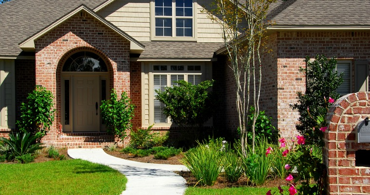5 Budget-Friendly Ways To Improve Your Home's Curb Appeal